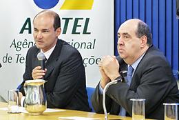 Presidente da Anatel, João Rezende, e o gerente de Acompanhamento e Controle das Obrigações de Interconexão, Adeilson Evangelista Nascimento, em entrevista coletiva sobre a implementação do nono dígito