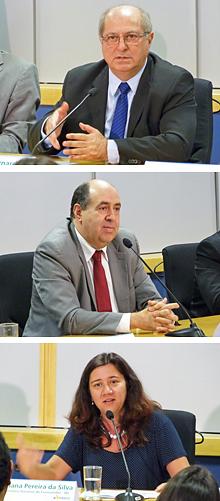 O ministro das Comunicações, Paulo Bernardo, o presidente da Anatel, João Rezende, e a secretária nacional do consumidor, Juliana Pereira da Silva